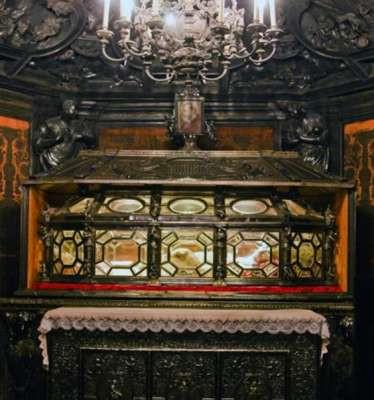 Гроб Карло Борромео