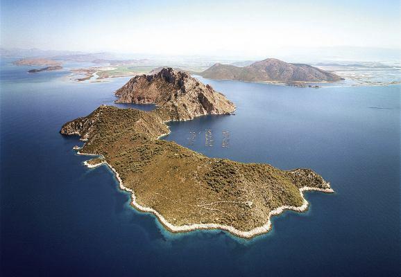 Остров Омфори, Греция